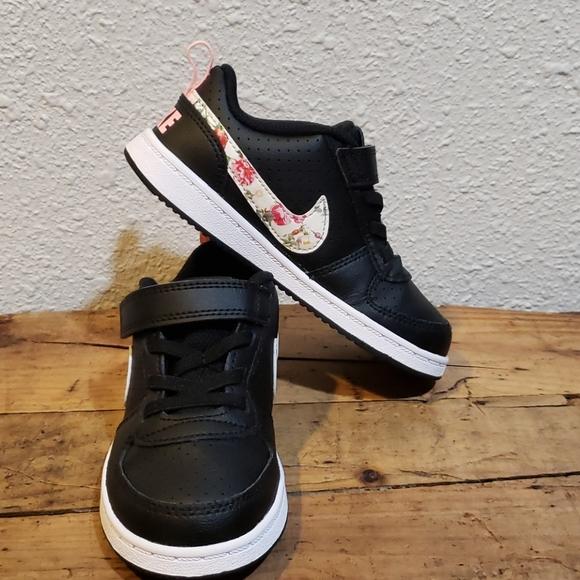 Falsificación maratón Atento  Nike Shoes | Nike Court Borough Low Vintage Floral Low | Poshmark